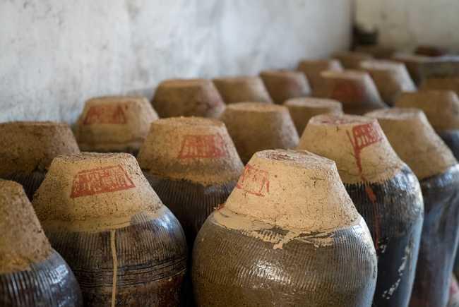 继承传统工艺的丹阳里庄黄酒